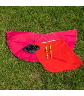 Pack capote, muleta y banderillas para niño.
