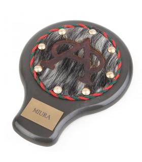 Hierro taurino en grabado en piel
